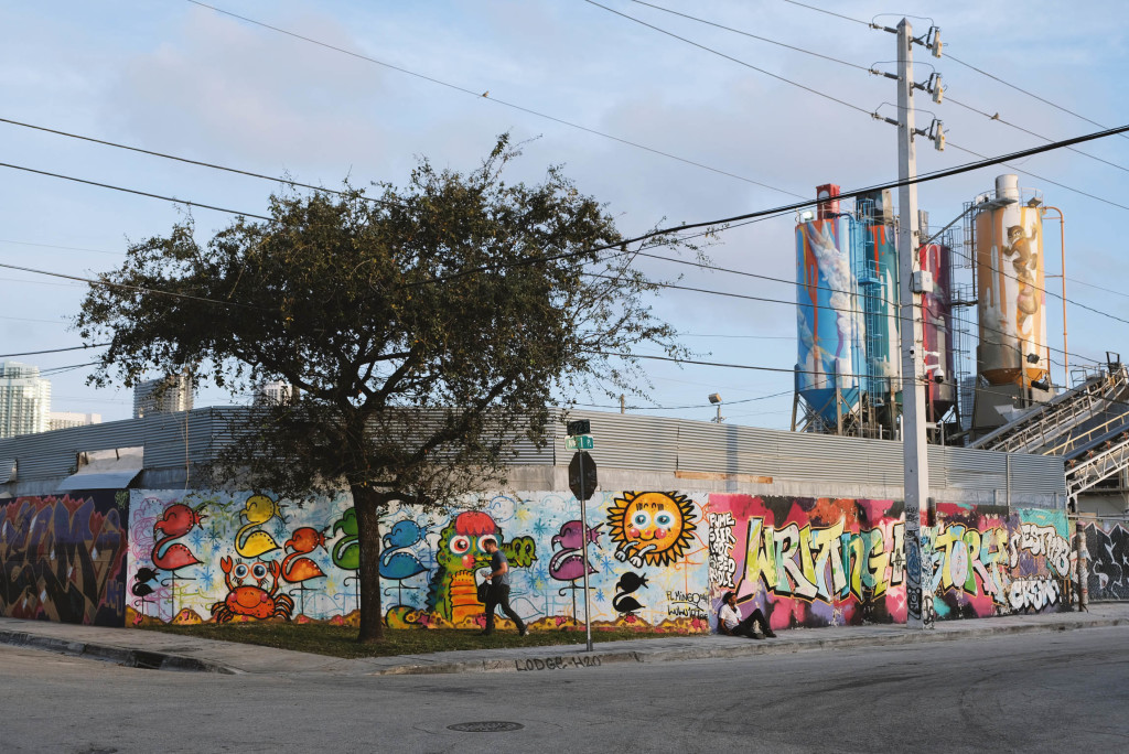 miami-winewook-streetart-andycurly-03